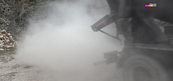 IL-prasina-Kumanica Meštani Kumanice i dalje u prašini (VIDEO)