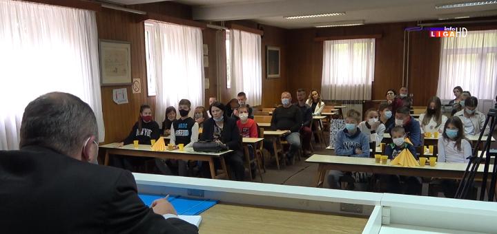 IL-decija-nedelja-prijem-kod-predsednika U okviru Dečije nedelje predsednik opštine Ivanjica družio se sa mališanina(VIDEO+FOTO)